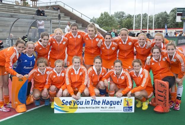 Oranjevrouwen-teamfoto-KNHB-KS